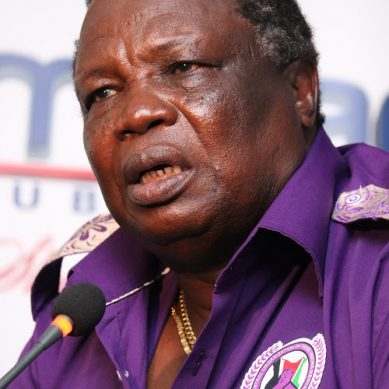 Angry Atwoli throws 170,000 live on Citizen TV JK live(VIDEO)