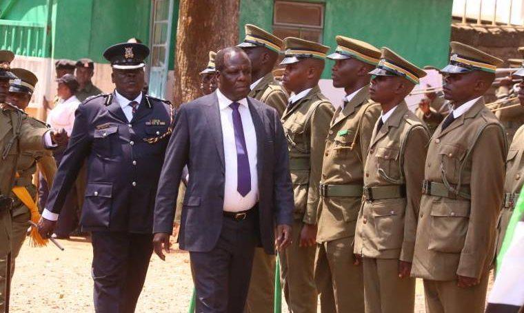 Governor Oparanya caught pants down
