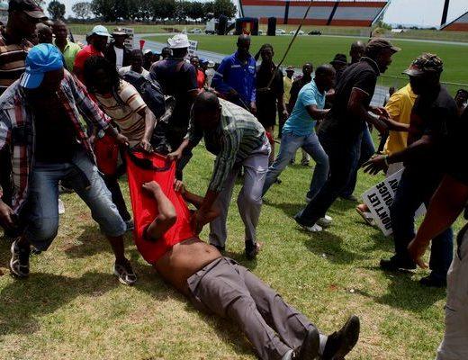 Police officer survives mob injustice