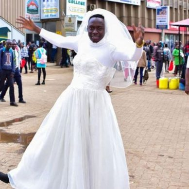 Eliud Kipchoge forces Comedian Obinna to wear womens dress in CBD(PHOTOS)