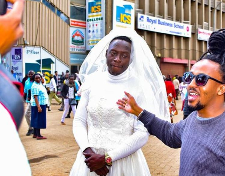 Eliud Kipchoge forces Comedian Obinna to wear womens dress in CBD(PHOTOS) – Weekly Citizen